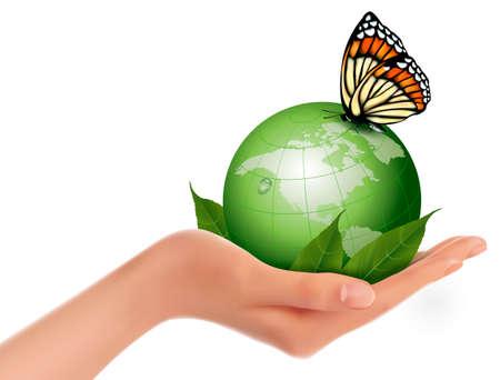 wereldbol groen: Groene wereld met blad en vlinder in vrouw hand illustratie. Stock Illustratie