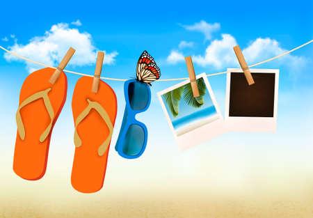 Flip flops, gafas de sol y tarjetas de la foto colgando de una cuerda. Memorias del verano de fondo. Vector. Ilustración de vector