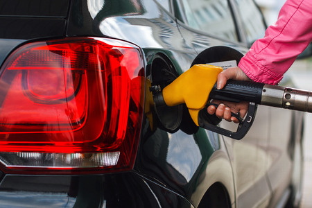 Filling up car at petrol station Stockfoto