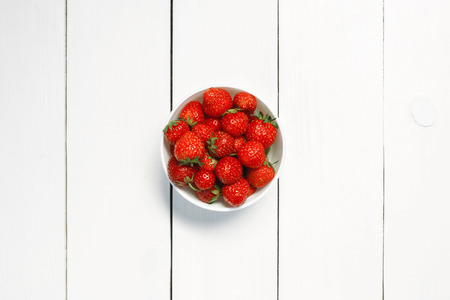 Strawberry in a bowl 스톡 콘텐츠
