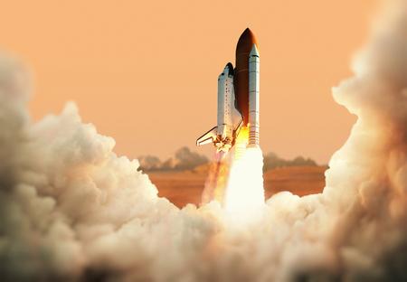 Spacecraft décolle dans l'espace. Fusée sur la planète Mars Banque d'images - 69662987