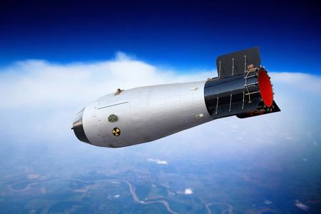 La bombe nucléaire vole dans le ciel. Guerre nucléaire