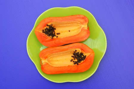 Die Halbe Scheibe Reife Papaya