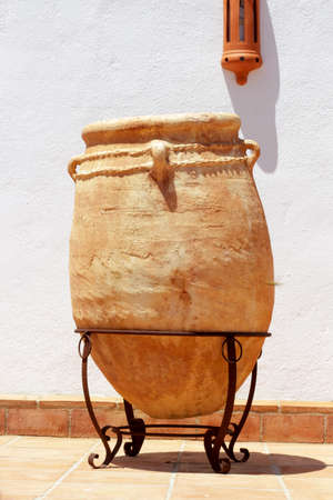 antiquity: Big pottery jar used in antiquity to store oil as decorative motif Stock Photo