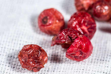 freeze dried: Macro view of several redcurrants dehydrated, for cocktails and highballs