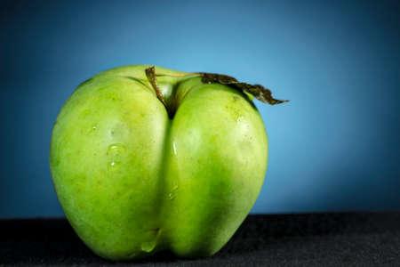 gloom: Apple is sad and blue