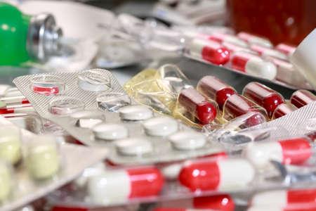 Desechos médicos. Cápsulas, tabletas, píldoras y otros medicamentos anticuados