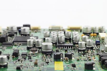 hardware: Digital Microchips primer hardware y montaje condensadores en la placa de circuito macro