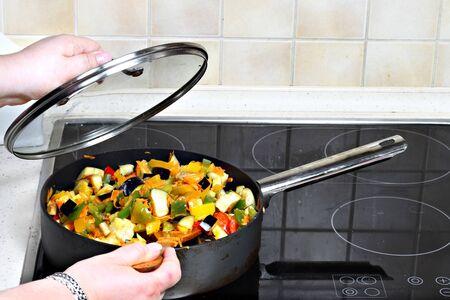 Cooking of stewed vegetables