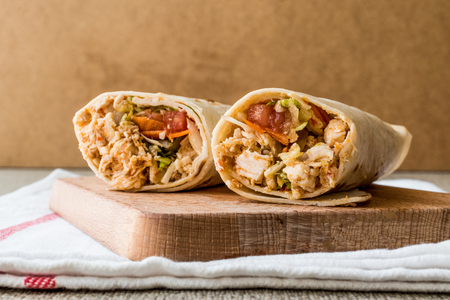 Chicken shawarma durum doner kebab copy space. Fast food concept. Foto de archivo