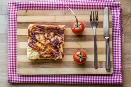 Turkish traditional food su boregi or borek with minced meat or cheese 版權商用圖片