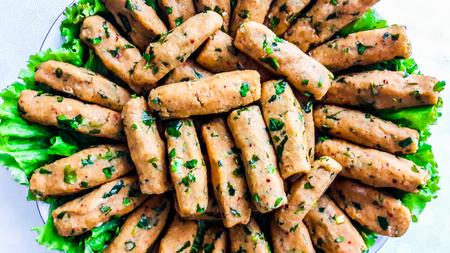 Turkish Mercimekli kofte made with bulgur and lentil. Traditional Turkish Food. Stockfoto