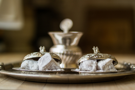 Turkish delight in silver tray. Banque d'images