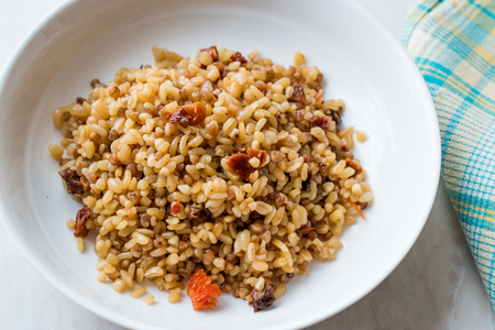 Cooked Bulgur Rice with Buckwheat / Pilav or Pilaf / Bulghur. Organic Food. Banque d'images