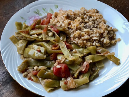 Turkish Food Green Beans with Olive Oil / Zeytinyagli Fasulye with Bulgur Rice Pilav or Pilaf. Traditional Organic Food. Stok Fotoğraf - 107863403