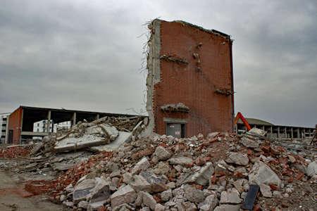 broken wall: Pared quebrada