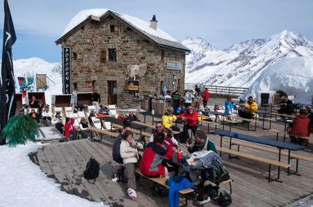 Saas Fee: Saas-Fee  Mountain restaurant Editorial