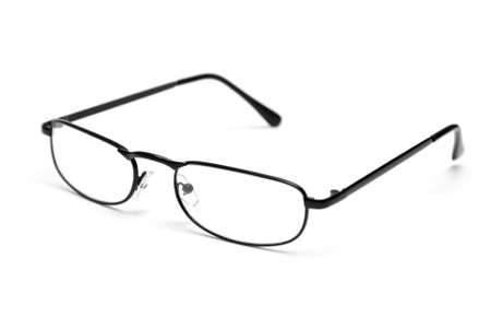 안경: A pair of sleek reading glasses isolated on a white background.