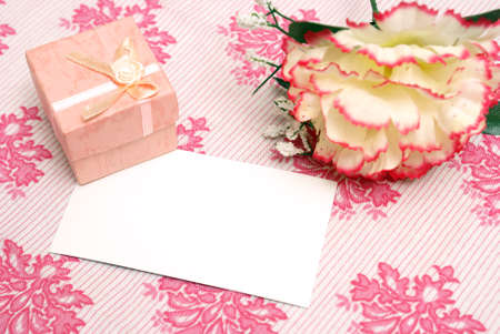 notecard: A jewelry box on top of a blank notecard.