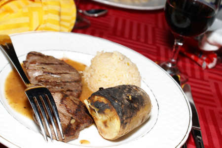 A beef meal at a fine dining restaurant. Stock Photo - 11499673