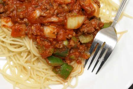 A freshly served plate of spaghetti. 版權商用圖片
