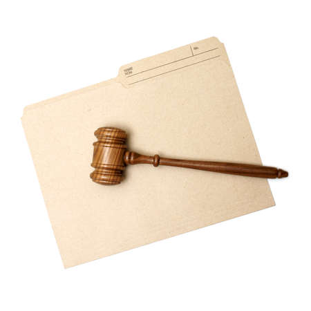 A gavel and folder represent legal documents. Banque d'images