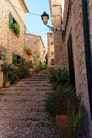 mallorca: alleyway in fornalutx, Mallorca