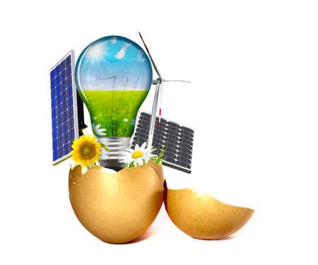 Neue Energie, die aus einem Ei geboren  Standard-Bild