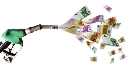billets euros: Pompe � carburant avec billets Banque d'images
