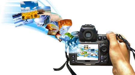 concept images: Una reflex con flusso di foto sul display