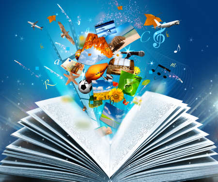libros abiertos: Leyendo un libro de fantas�a brillante Foto de archivo