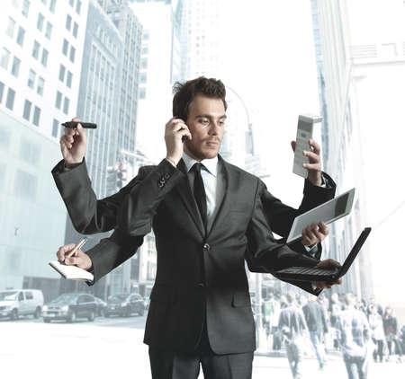weariness: Hombre de negocios destacaron demasiadas tareas