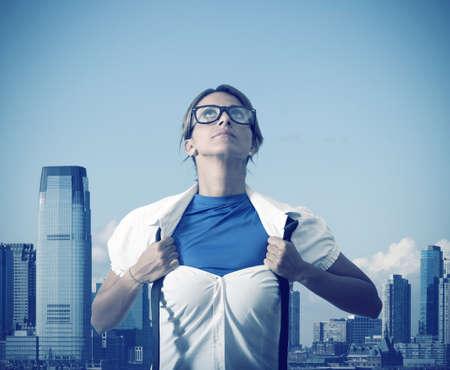 krachtige vrouw: Concept van Be super in het bedrijfsleven