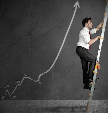 in aumento: Concepto de éxito en los negocios con estadísticas positivas