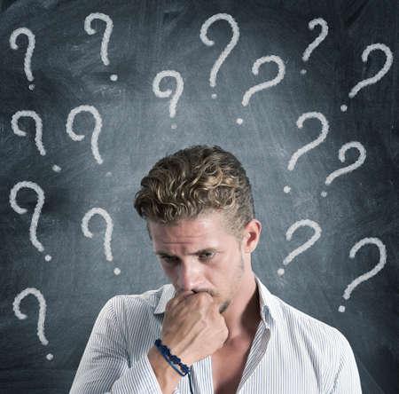 nerveux: Un garçon plein de questions