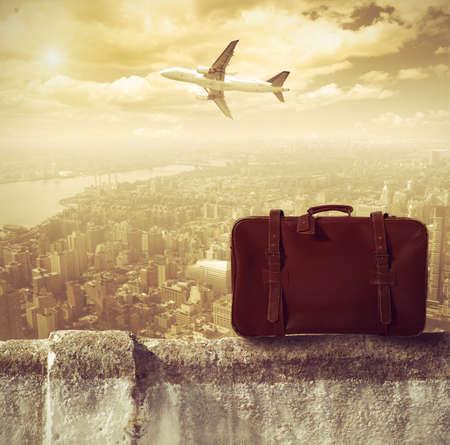 maleta: Concpet de los viajes en avi�n Foto de archivo