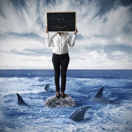 kockázatos: Üzletasszony, mosolygós kockázatos helyzetben Stock fotó