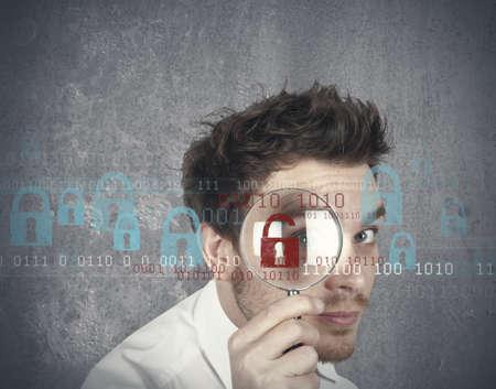 lock  futuristic: Concetto di uomo d'affari che cerca i virus