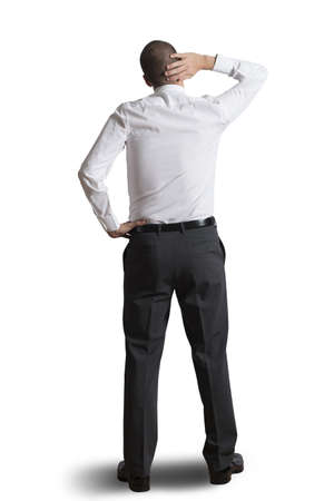 confundido: Pensando empresario aislado sobre fondo blanco