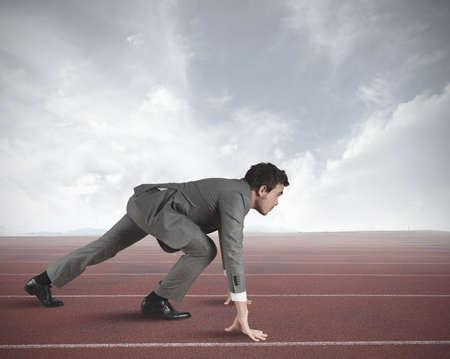 liderazgo: La competencia con el empresario de negocios listo para comenzar Foto de archivo