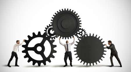 zusammenarbeit: Konzept der Teamarbeit mit Getriebe