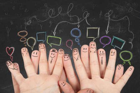 trekken: Concept van sociale netowork met de handen