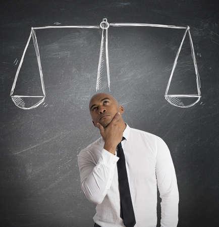 Concept van de zakenman met zijn beslissing