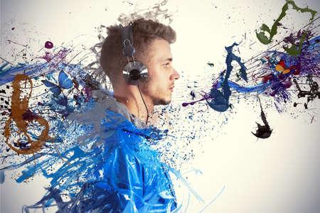 oir: Muchacho que escucha la m�sica con el efecto del bosquejo