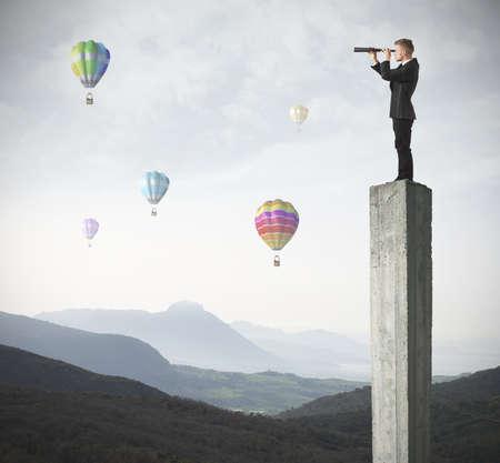 Manager zoekt naar nieuwe business en kansen