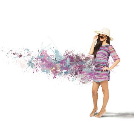 body paint: Hermosa chica en el mar con efecto de movimiento