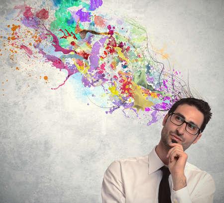 imaginacion: Concepto de idea creativa de un hombre de negocios
