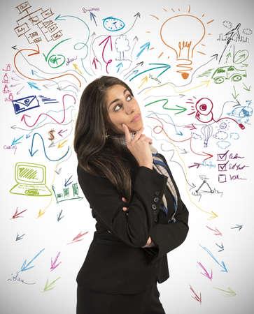 Creatieve zakelijke idee van een jonge zakenvrouw Stockfoto