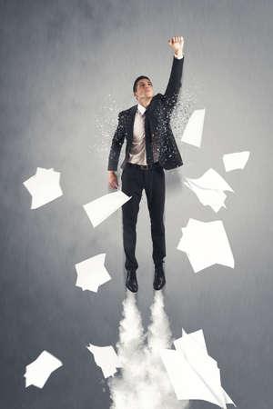 Úspěch: Super hrdina podnikatel létání v kanceláři