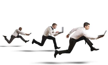 Concurrentie in business concept met stromend ondernemers Stockfoto